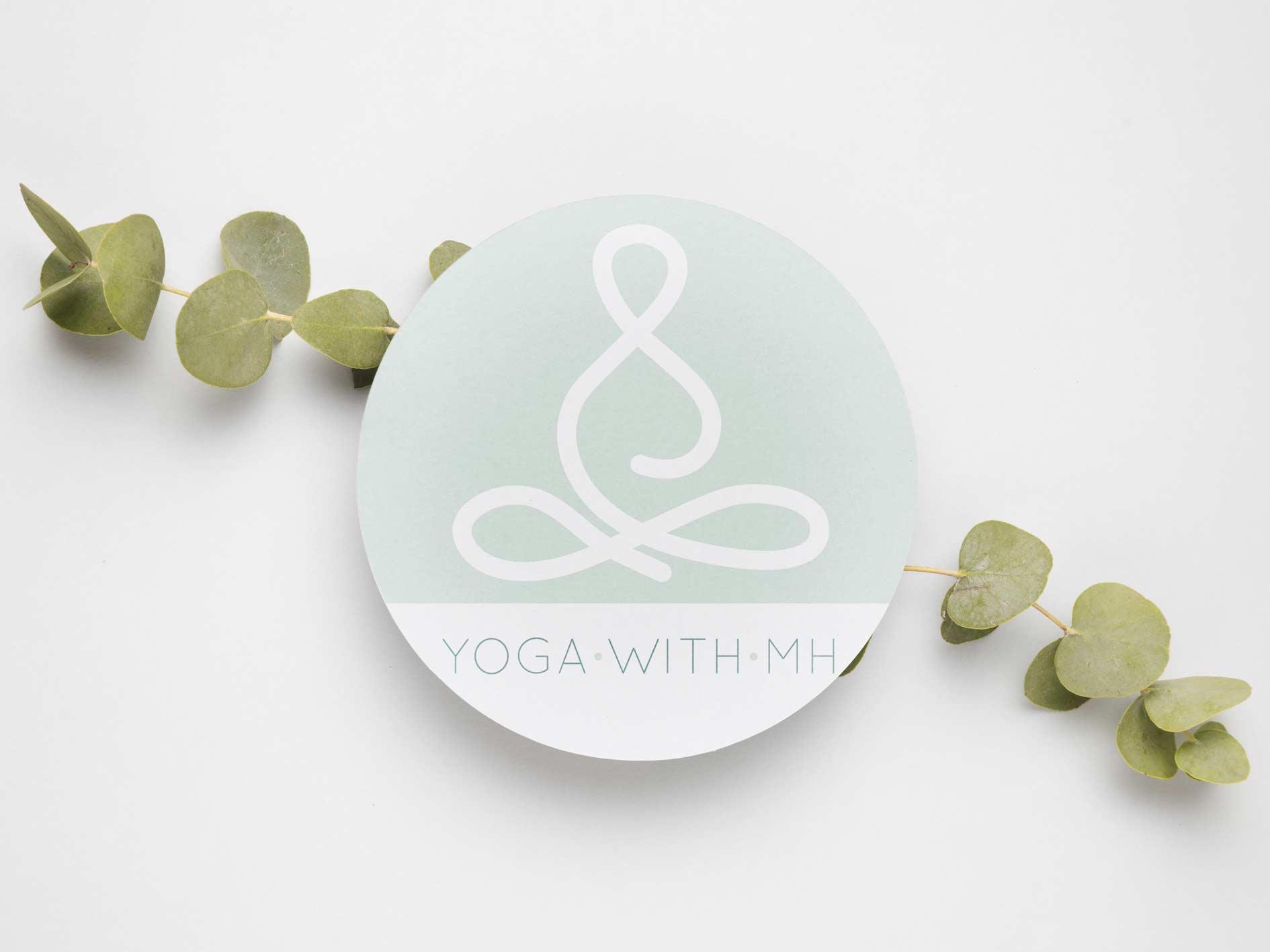 logo-yoga-with-mh